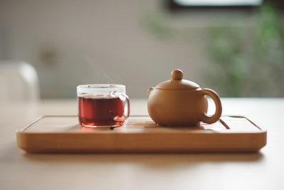 How to make a cup of hot tea